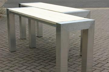 Aluminium tafelconstructie met steigerhout